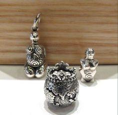 Celebra il giorno della Terra con le sculture Redbalifrog : Regina Del Mondo €31,50 La Madre Terra €62, Grande Madre €28,50 Disponibili nel nostro sito web: www.gold-jewels-italy.com