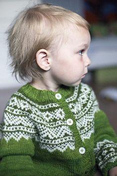 58b80081 Strikkede barnejakker Kids Knitting Patterns, Knitting For Kids, Baby  Patterns, Knitting Projects,
