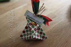 Kleine Verpackung für die Wichtel-Namen für  die Weihnachtsfeier im Geschäft.
