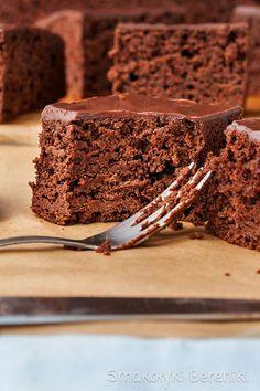 Ciasto czekoladowe bez cukru Top Recipes, Sweet Recipes, Cake Recipes, Vegan Recipes, Vegan Food, Polish Desserts, Easy Eat, Pudding Cake, Let Them Eat Cake