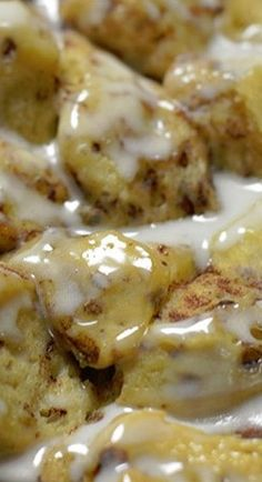 Crock Pot Cinnamon Roll Casserole : One of our most popular recipes! Readers LOVE how easy this crock pot breakfast casserole is to throw together for holidays or a special treat! Crock Pot Food, Crock Pot Desserts, Crockpot Dishes, Crock Pot Slow Cooker, Slow Cooker Recipes, Crockpot Recipes, Cooking Recipes, Budget Cooking, Casserole Recipes