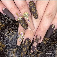 Ongles Bling Bling, Bling Nails, Swag Nails, Fancy Nails, Pretty Nails, My Nails, Burberry Nails, Gucci Nails, Manicure E Pedicure