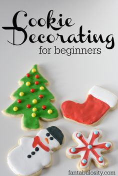 Cookie Decorating for Beginners: with Royal Icing. Sharing tips and tricks on how to make cookie decorating easier, with royal icing! Sugar Cookie Royal Icing, Iced Sugar Cookies, Christmas Sugar Cookies, Holiday Cookies, Christmas Baking, Cut Out Cookie Frosting Recipe, Christmas Deserts, Valentine Cookies, Easter Cookies