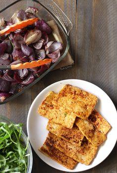Receita e video de tofu grelhado e cebola roxa assada no forno| simple and delicious recipe of grilled tofu garnish with roasted red onion