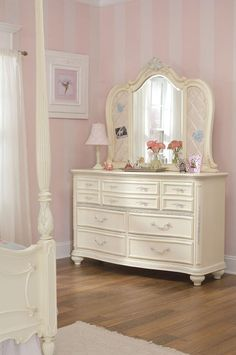 Jessica McClintock Dresser And Mirror In Antique White With Silver Tipping Accents - Homeclick Community