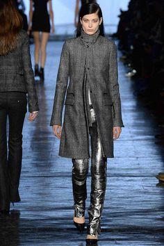 FALL 2014 READY-TO-WEAR Diesel Black Gold Ny Fashion Week, New Fashion Trends, Winter Fashion, Fashion 2014, Expensive Clothes, Metal Fashion, Coats For Women, Ready To Wear, Black Gold
