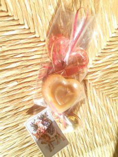 Ghirlanda rossa: cuore al latte d'asina, malva e lavanda
