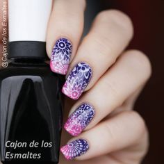 Diseños de mandalas para uñas Nails & Co, Love Nails, Red Nails, Pretty Nails, Hair And Nails, Mandala Nails, Stamping Nail Art, Types Of Nails, Fabulous Nails