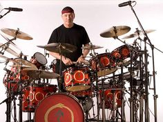 Drummerworld Page for Neil Peart A Farewell To Kings, Rush Music, Modern Drummer, Rush Band, Drummer T Shirts, Alex Lifeson, Geddy Lee, Neil Peart, Clockwork Angel