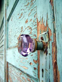 Lavender doorknob on a weathered turquoise door. Oh, my, how I covet that purple glass knob! Door Knobs And Knockers, Glass Door Knobs, Knobs And Handles, Door Handles, Antique Door Knobs, Old Doors, Windows And Doors, Turquoise Door, Aqua Door