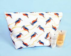 Makeup bags and wash bags available in a range of designs. The wash bags are made with water resistant fabric, perfect for using in the bathroom for toiletries. Large Toiletry Bag, Peg Bag, Makeup Remover Pads, Unicorn Makeup, Waterproof Makeup, Flamingo Print, Gifts For Nature Lovers, Fabric Birds, Etsy Uk
