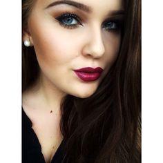 Makeup lipstick eyeshadow