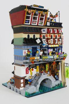 Lego Ninjago City, Lego City, Legos, Lego Humor, Lego Structures, Lego Minifigure Display, Lego Furniture, Lego Construction, Lego Modular