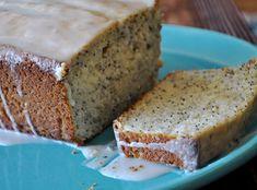 Lemon Poppy Seed Bread | www.mountainmamacooks.com #highaltituderecipe #highaltitudebaking