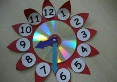 Here are the best 9 clock craft images and ideas for kids and adults. Clock crafts help the kids to learn about time and the importance of time. Cd Crafts, Diy Arts And Crafts, Recycled Crafts, Clock Craft, Diy Clock, Kindergarten Crafts, Preschool Crafts, Clock For Kids, Art For Kids
