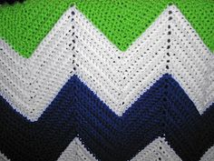 Free  chevron Crochet Baby Blanket Patterns | close up of all those little single crochets