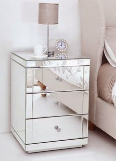 home interiors dream Mirrored Furniture, Bedroom Furniture, Home Bedroom, Bedroom Decor, Bedrooms, Deco Studio, Home And Deco, New Room, House Rooms