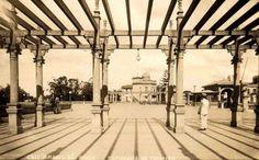 Esplanada do Trianon - 1920 - O famoso vão livre do MASP, só que sem o MASP.