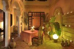 Dans la Médina d'Essaouira, le Dar Assalama est un petit riad rénové dans le respect de la tradition. Riad Essaouira, Bons Plans, Respect, Furniture, Home Decor, Morocco, Decoration Home, Room Decor, Home Furniture
