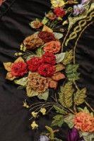 Gallery.ru / Фото #47 - Работы турецких мастериц (ленты) - Marianna1504 Ribbon Embroidery, Brooch, Wreaths, Flowers, Jewelry, Decor, Cook, Recipes, Jewlery
