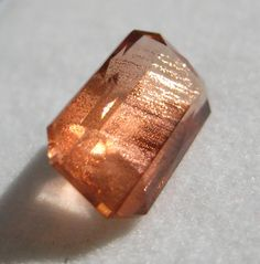 Oregon Sunstone, I've never seen such a lovely specimen, gives me a new appreciation for this mineral