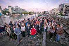 Foto de grupo de la reunión de empleados de Triodos Bank 2015 en Bristol, Reino Unido.