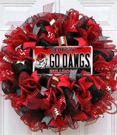 Ready to Ship Georgia Bulldog Wreath-Collegiate Football Wreath-University of… Football Team Wreaths, Gifts For Football Fans, Sports Wreaths, Mesh Wreaths, Football Season, Georgia Bulldogs Cake, Georgia Bulldog Wreath, Georgia Bulldogs Football, Diy Wreath