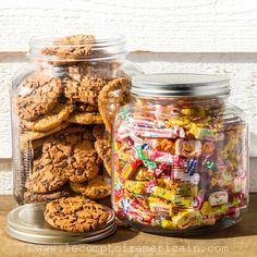Cookie Jar 1 gallon & 64 oz #masonjar #cookies #cookiejar #bonbonniere #lecomptoiramericain #madeinUSA #gouterdesenfants #gouteranniversaire #candyjar #gourmandise #gateaux #gateauxsec #bonbon #bonbec Cookies Et Biscuits, Mason Jars, Decorations, Breakfast, Food, Home Decor, Candy, Gift Ideas, Food Porn
