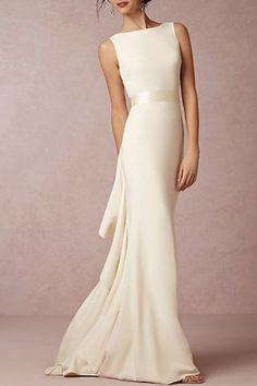 Simple Elegant Wedding Dress, Plain Wedding Dress, How To Dress For A Wedding, Pretty Wedding Dresses, Celebrity Wedding Dresses, Unique Dresses, Celebrity Weddings, One Shoulder Wedding Dress, Simple Elegance