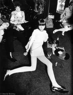 hotparade: David Bailey - Penelope Tree, 1967 - midnight martinis