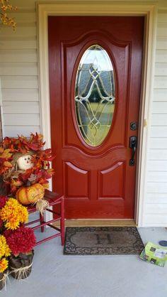 101 Ideas For Red front Door Design Front Door Paint Colors, Painted Front Doors, Front Door Design, Red Front Doors, Red Doors, Front Porch Makeover, Welcome Signs Front Door, Unique Doors, Exterior Colors