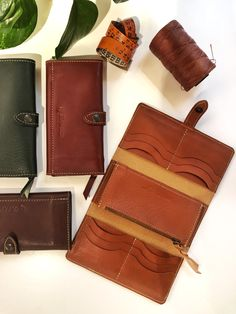 A lovely looking big leather wallet for woman: a lot of space for cards, coin and business cards. Handmade in Italy! Wallets For Women Leather, Leather Accessories, Cowhide Leather, Leather Wallet, Business Cards, Initials, Italy, Purses, Woman