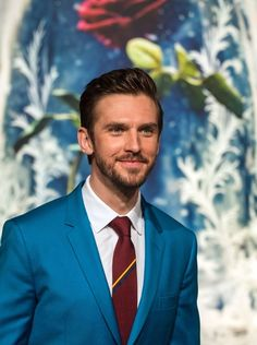 Dan Stevens Photos Photos - Actor Dan Stevens arrives for the Asian premiere of the Disney Movie The Beauty and The Beast in Shanghai on February 27, 2017. / AFP / Johannes EISELE - Premiere of 'Beauty and The Beast' in Shanghai