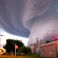 Tornado - Dallas, TX - 04/03/12 // Saying a prayer for all involved