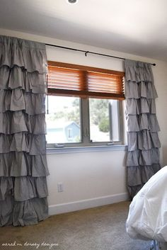 sarah m. dorsey designs: DIY ruffle curtains--need these for our bedroom My New Room, My Room, Ruffle Curtains, Sewing Curtains, Bedroom Curtains, Sheet Curtains, Ruffle Skirt, Bedroom Decor, Deco Originale