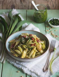 Frühlingshafte Kräuterküche: 24 Rezepte mit Bärlauch