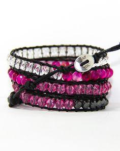 WRAP CHIC wrap bracelet feita em couro com pedras preciosas e semi-preciosas. (Finest leather and precious and semi-precious stones)
