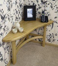 Corner table we could create. mensola che passa sopra termosifone?