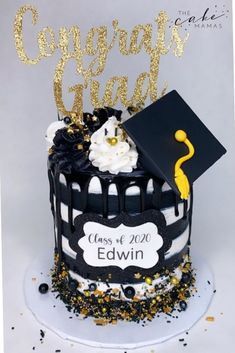 Black, White, and Gold striped graduation cake. Click the link below to order your celebration cake today. #graduation #graduationcakes #graduationparty #celebration #cake #cakedesign #cakedecorating #cakedecoratingideas #buttercream #simple Birthday Desserts, Birthday Cake, Cakes Today, Graduation Cake, Desserts To Make, Gold Stripes, Buttercream Cake, Celebration Cakes, 50th Anniversary