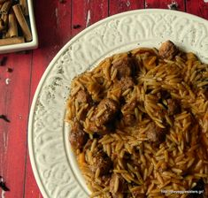 Vegan giouvetsi: a traditional Greek dish in its veganized version! Spicy orzo with marinaded soy kebab cooked in tomato sauce! Vegan Dinner Recipes, Good Healthy Recipes, Delicious Vegan Recipes, Greek Recipes, Whole Food Recipes, Cooking Recipes, Vegan Greek, Greek Dishes, Unprocessed Food