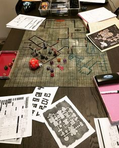 getting ready for game night - shackled city - malachite fortress Dungeons And Dragons Adventures, Strange Beasts, The Last Laugh, Hobgoblin, Game Night, Malachite, Minis, Battle, Gaming