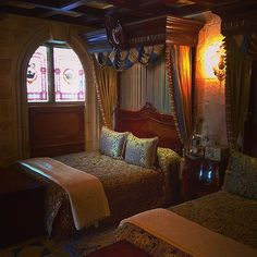 Pin for Later: 39 Disney World Facts That Even Die-Hard Fans Don't Know Cinderella's Castle has a guest room suite that people can actually stay in. Disney World Facts, Disney Facts, Disney World Resorts, Walt Disney World, Disney Pin Display, Disney Home, Disney Disney, Cinderella Castle, House Inside