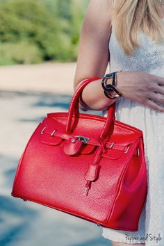 Coral Faux Leather Handbag *CELEBRITY STYLE INSPIRED BY VICTORIA BECKHAM* – Pepper and Style – Fashion, Fitness and Lifestyle Blog from Seattle