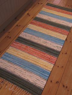 Page not found - Rugs Of Sweden - vintage rag rugs Weaving Tools, Weaving Art, Rag Rugs, Recycled Fabric, Woven Rug, Rug Making, Weave, Textiles, How To Make
