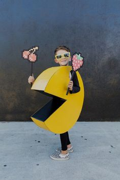 DIY Halloween Costume: Kids Pac-Man