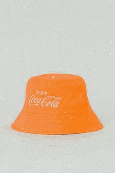 Orange Aesthetic, Classy Aesthetic, Beige Aesthetic, Aesthetic Clothes, Mein Style, Accesorios Casual, Costume Collection, Even Skin Tone, Cute Hats