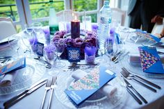 The deep purple table at my wedding (10 tables and 10 diffrent colors):-) #Multicolorweddings