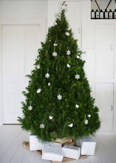 Une déco de sapin de Noël ultra sobre