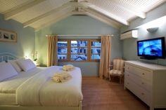 Spacious bedroom...