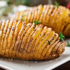 Top 10 Ree Drummond Recipes – Page 5 – Top Recipes Batatas Hasselback, Hasselback Sweet Potatoes, Sliced Potatoes, Baked Potatoes, Sweet Potato Dishes, Sweet Potato Recipes, Easy Delicious Recipes, Yummy Food, Baked Potato Slices